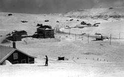 Ustaoset, Hallingdal. Vinterlandskap. Fjellområde med hytteb