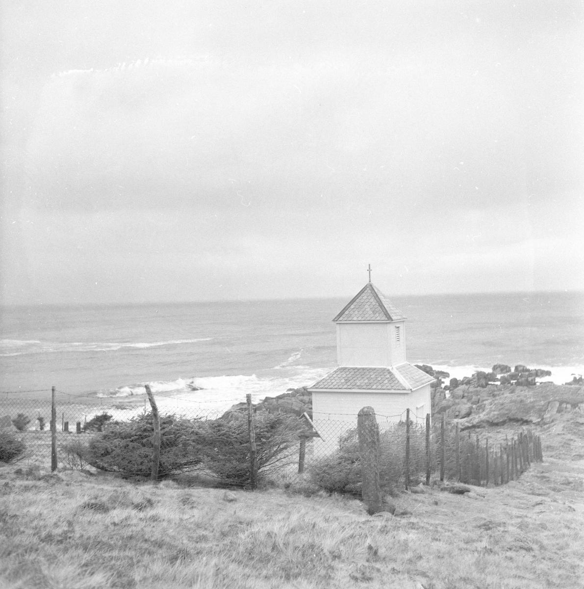 Pigghåfiske på Shetland.Shetland, 14-22. mai 1958,kirken og landskapet rundt.