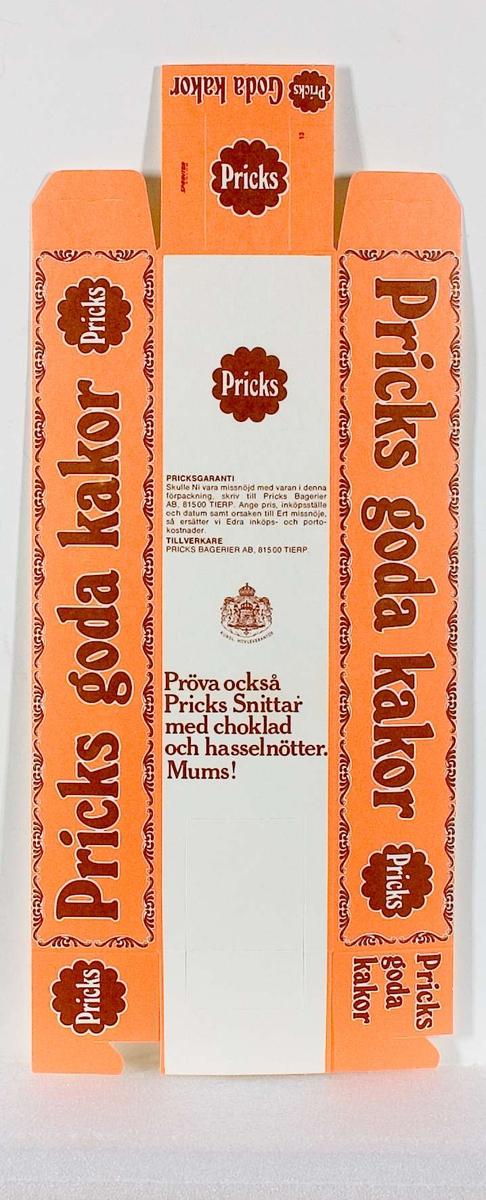 En förpackning av papp med tryck i orange, brunt och vitt. Text, förutom beskrivning av ingredienser och andra varufakta: Pricks goda kakor... Pricks Bagerier AB, 815 00 Tierp, Sverige. Pricks logotype i brunt och vitt.