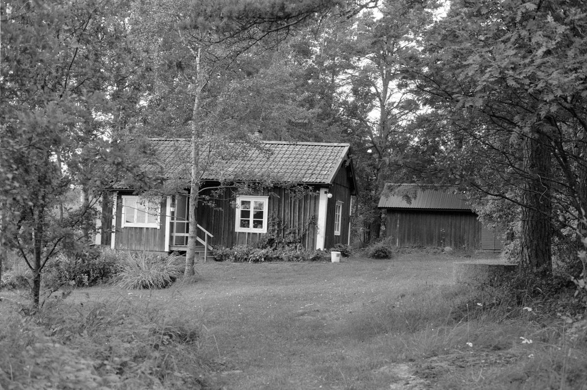 Bostadshus, Glädjen, Knutby socken, Uppland 1987