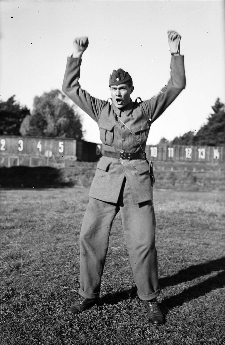Soldat vid skjutbana på Upplands Regemente I 8, Uppsala