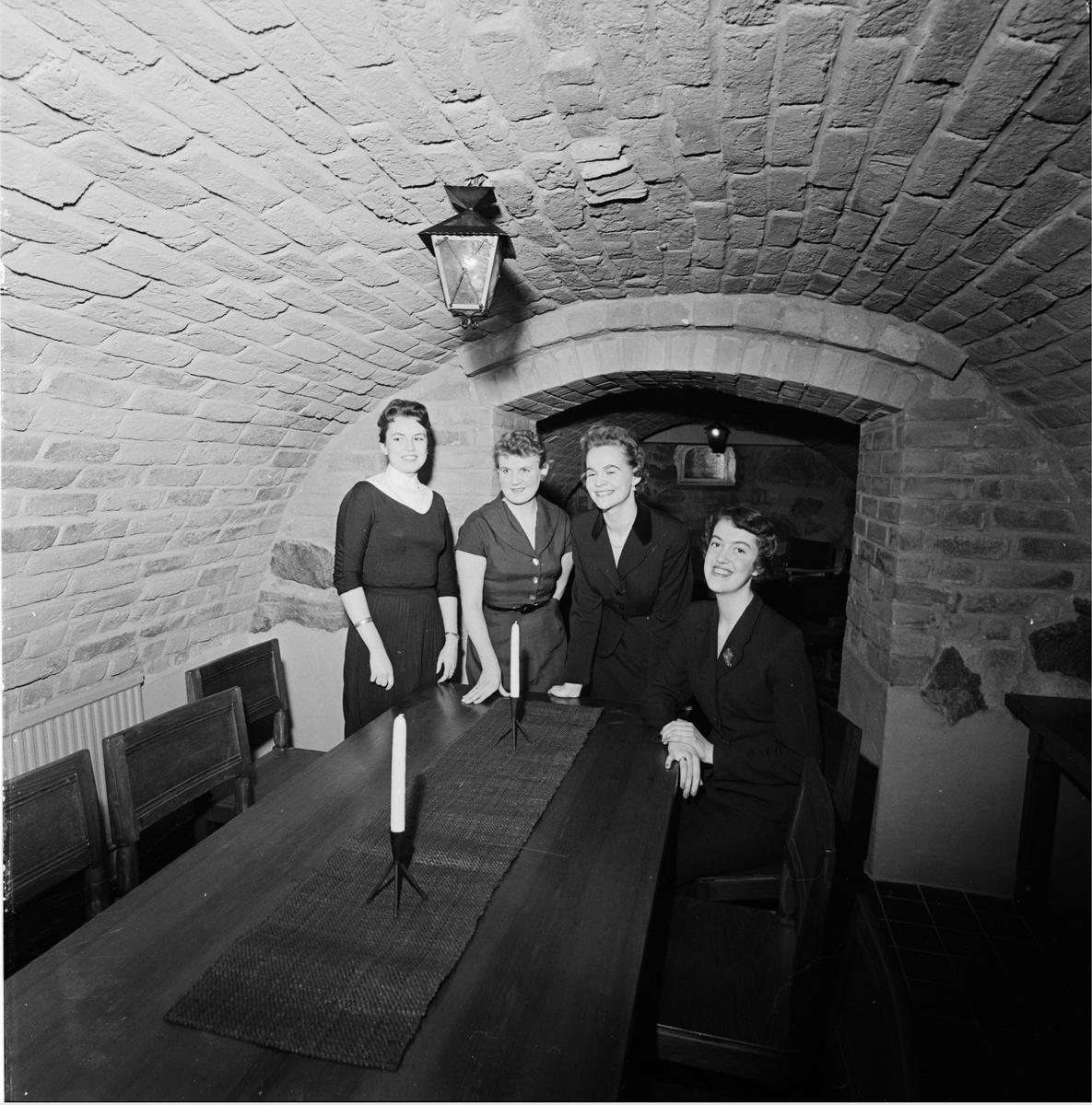 Västgöta nation - gillestuga, Uppsala februari 1957
