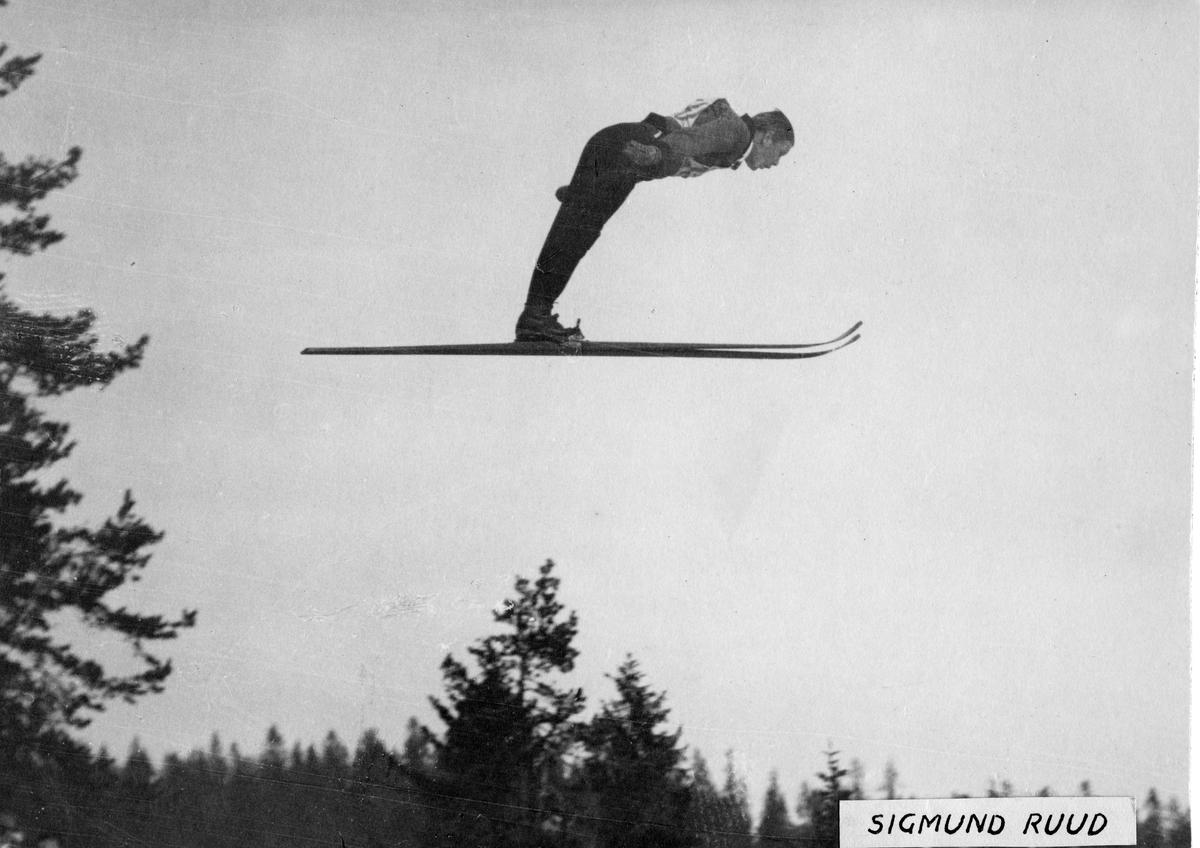 Sigmund Ruud i svevet. KIF-skier Sigmund Ruud in action