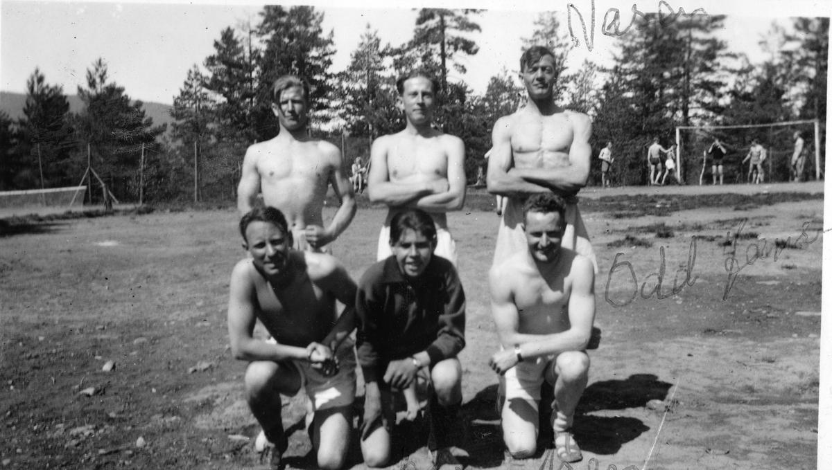 Athlets playing football at the Ruudhytta cabin.