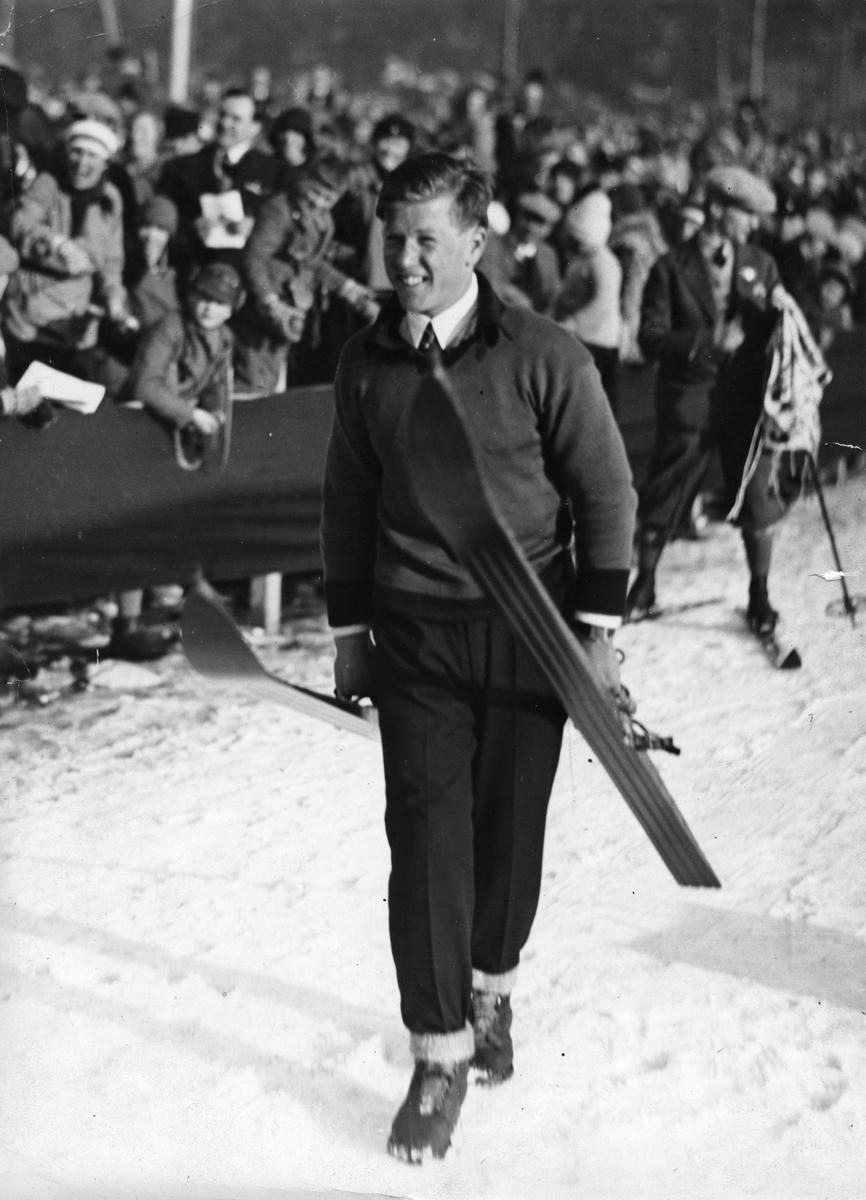 Kongsberg athlete Birger Ruud in ski jumping competition at Holmenkollen 1930