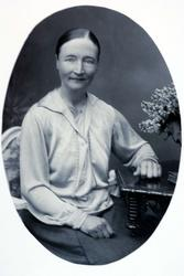 Portrett av Guri Hårtveit fra Grindheim.