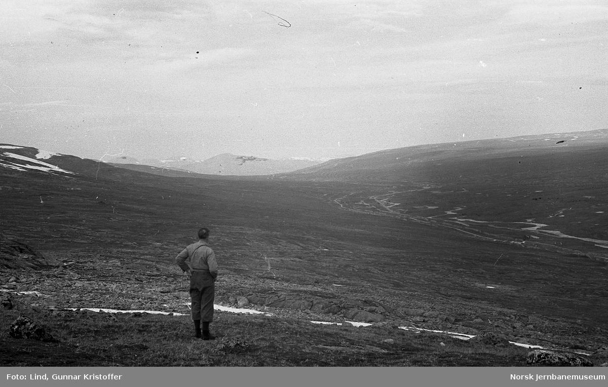 Nordlandsbaneanlegget : linjen over Saltfjellet, sett fra Bolnatoppen