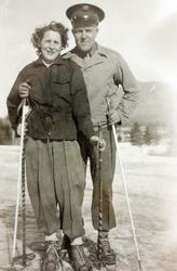 Erling og Inger Marie Buksholt på skiferie i unge år.