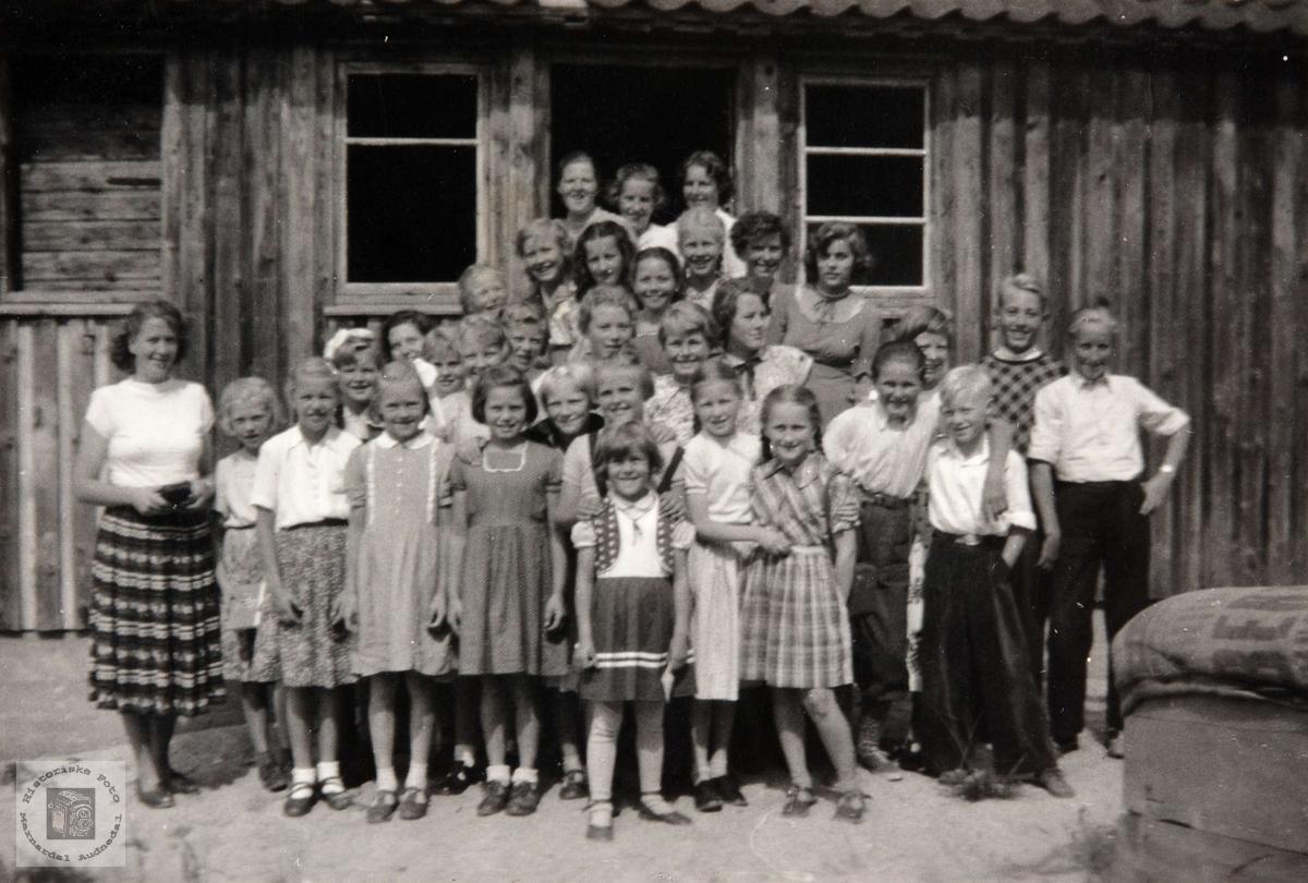 Barneleir på Ågedal, Bjelland. Audnedal.