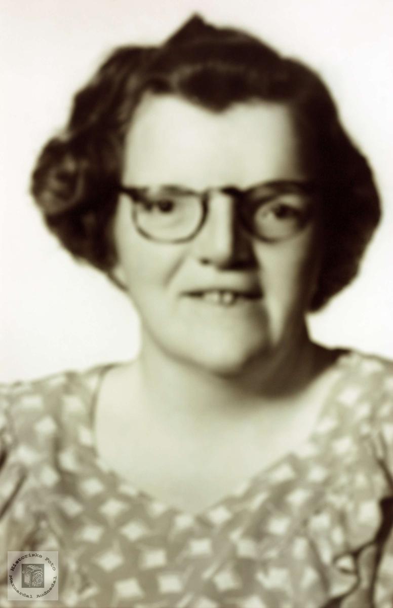 Portrett av Ruth Leland. Grindheim, Mandal.