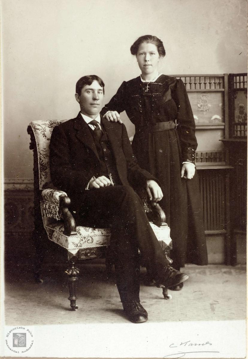 Brudebilde av Bendik og Tarjerd Iveland. Konsmo Grindheim Audnedal.