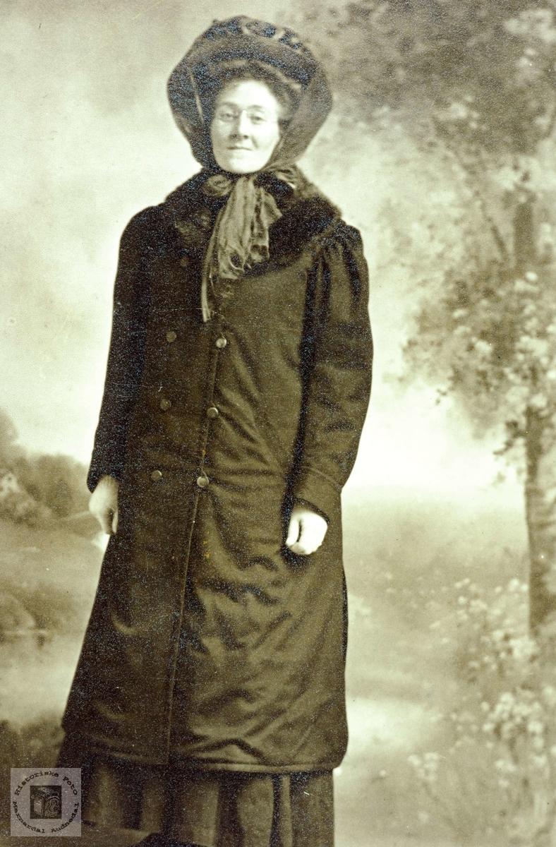 Portrett av Sørine Hårtveit som utvandret til USA. Grindheim Audnedal.