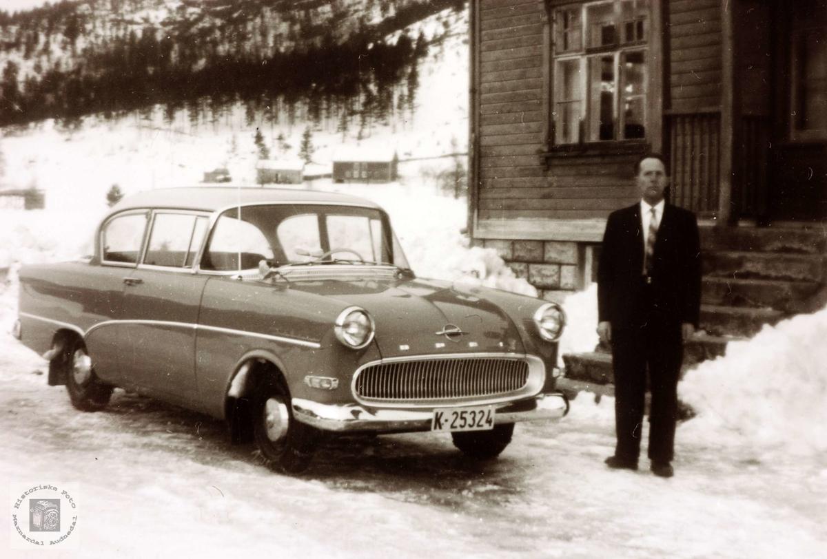 Klar for biltur med Opel. Grindheim.