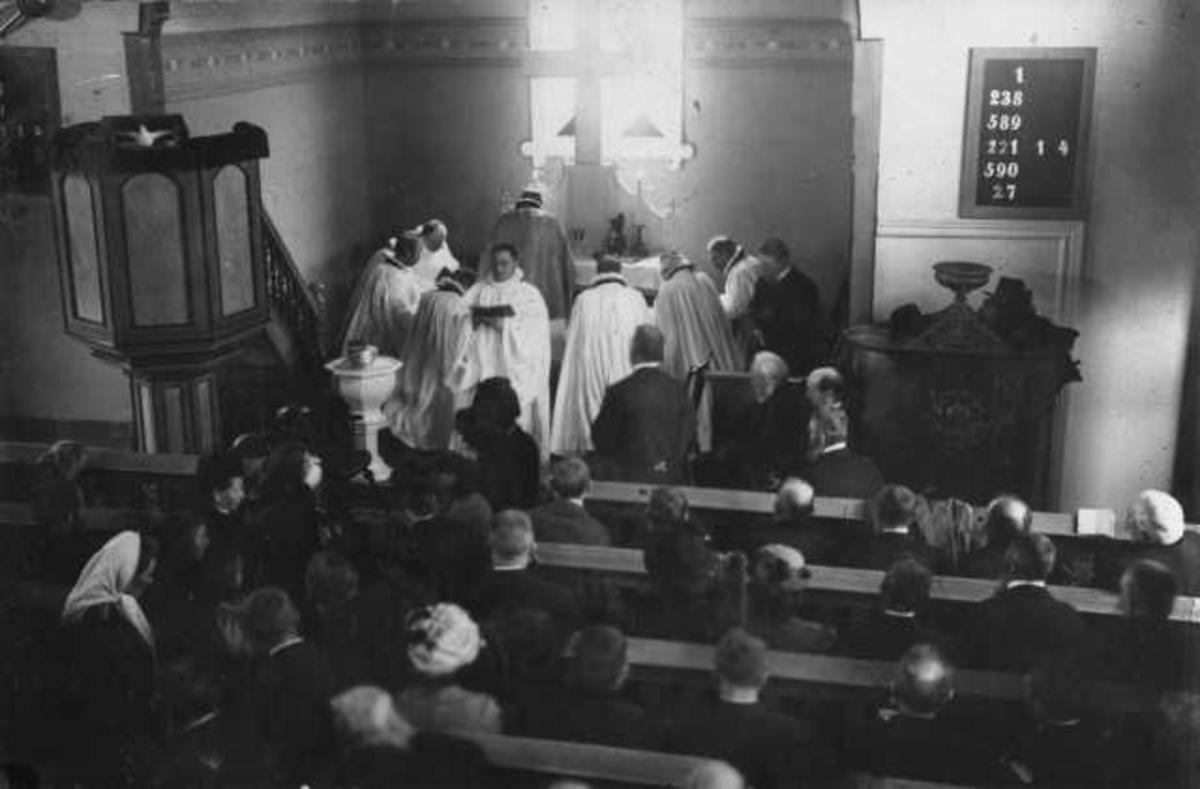 Innvielsen av Sviland kapell 23. oktober 1913 ved biskop Schjelderup