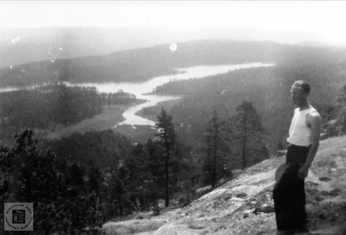 Utsikt over Trånevann i Bjelland.