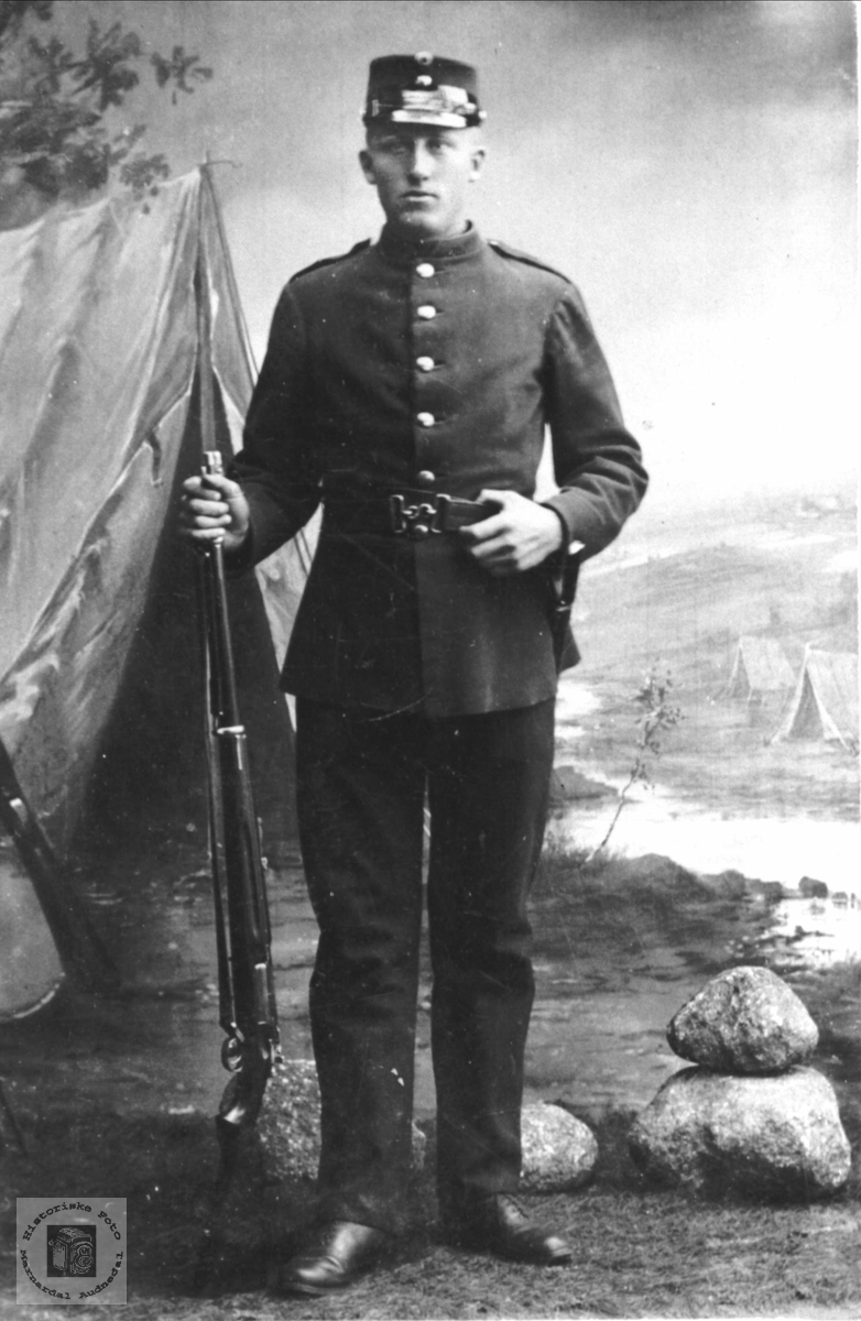 Soldatportrett av Knut Manneråk, Øyslebø.