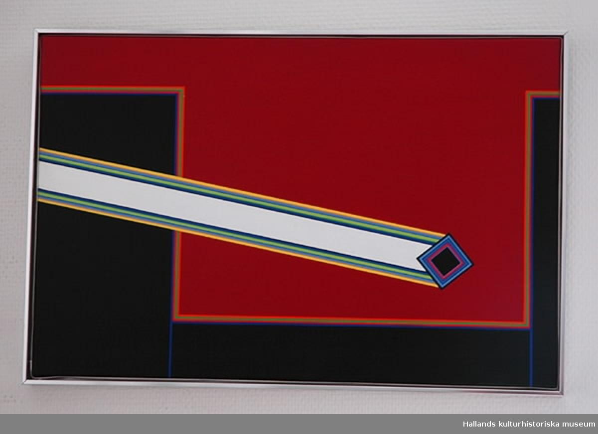 """Abstrakt motiv i räta linjer, hela färgskalan, rött och svart dominerar. In från vänster kommer """"skottet"""", syftar på skottet på Karl XII."""