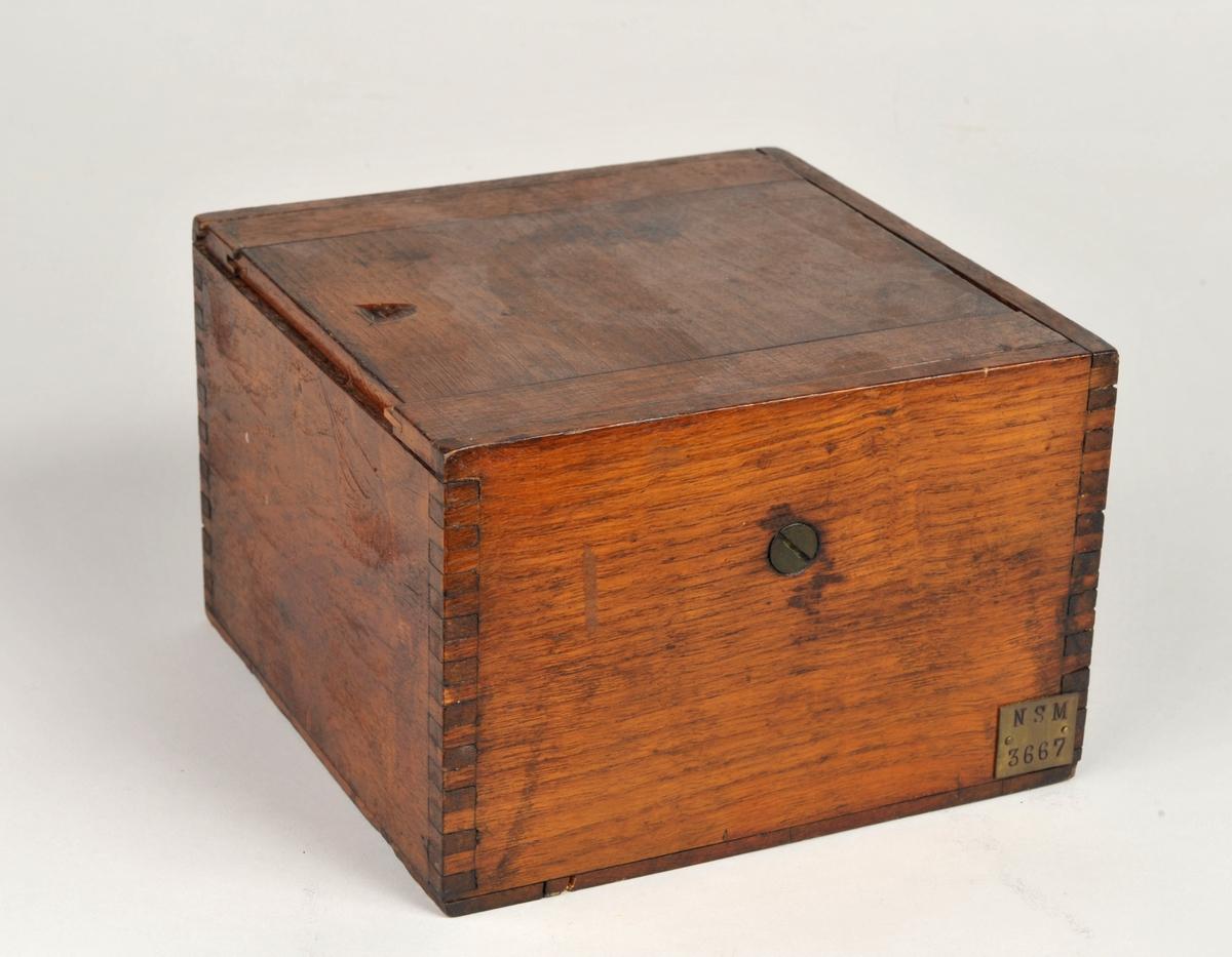 Kompass,  i  hardwood kasse