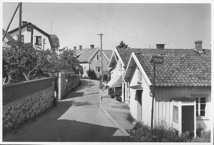 """Enligt AB Flygtrafik Bengtsfors: """"Fiskebäckskil gatuparti Bohuslän""""."""