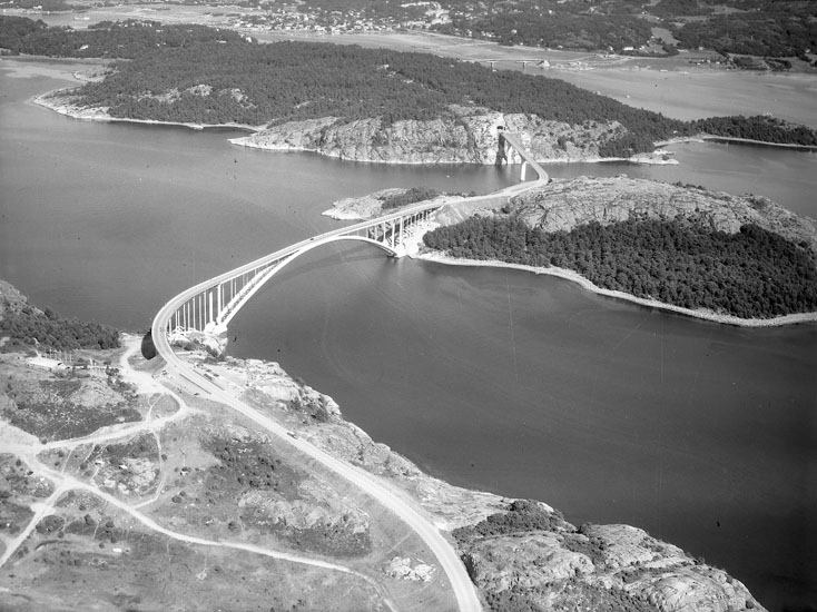"""Enligt AB Flygtrafik Bengtsfors: """"Tjörnbroarna Bohuslän""""."""