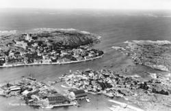 Flygfoto över Marstrand.       ::