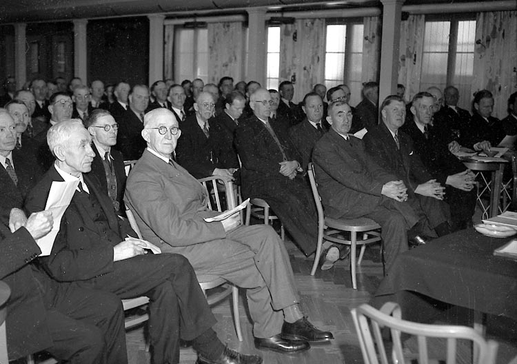 """Enligt notering: """"Bohusläns Brandstadsbolag 12/4 1948""""."""