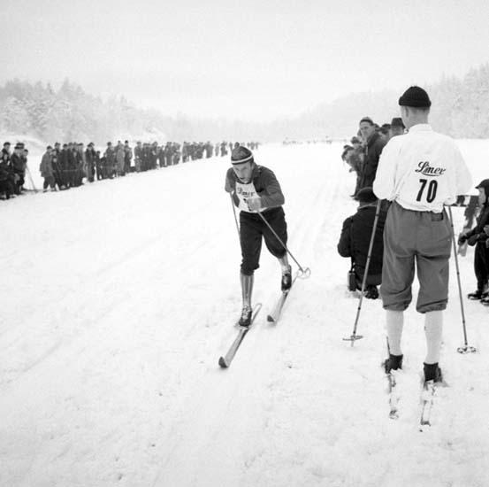 """Enligt notering: """"Varvsloppet Skidor Bjursjön 18/1 -59""""."""