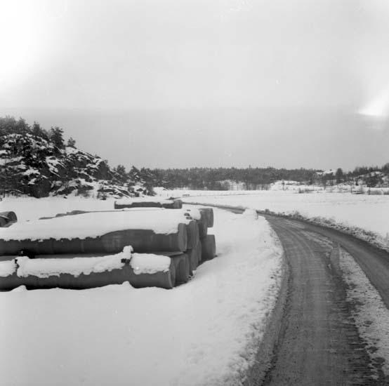"""Enligt notering: """"Rör vid Gräskärr 12/4 -59""""."""