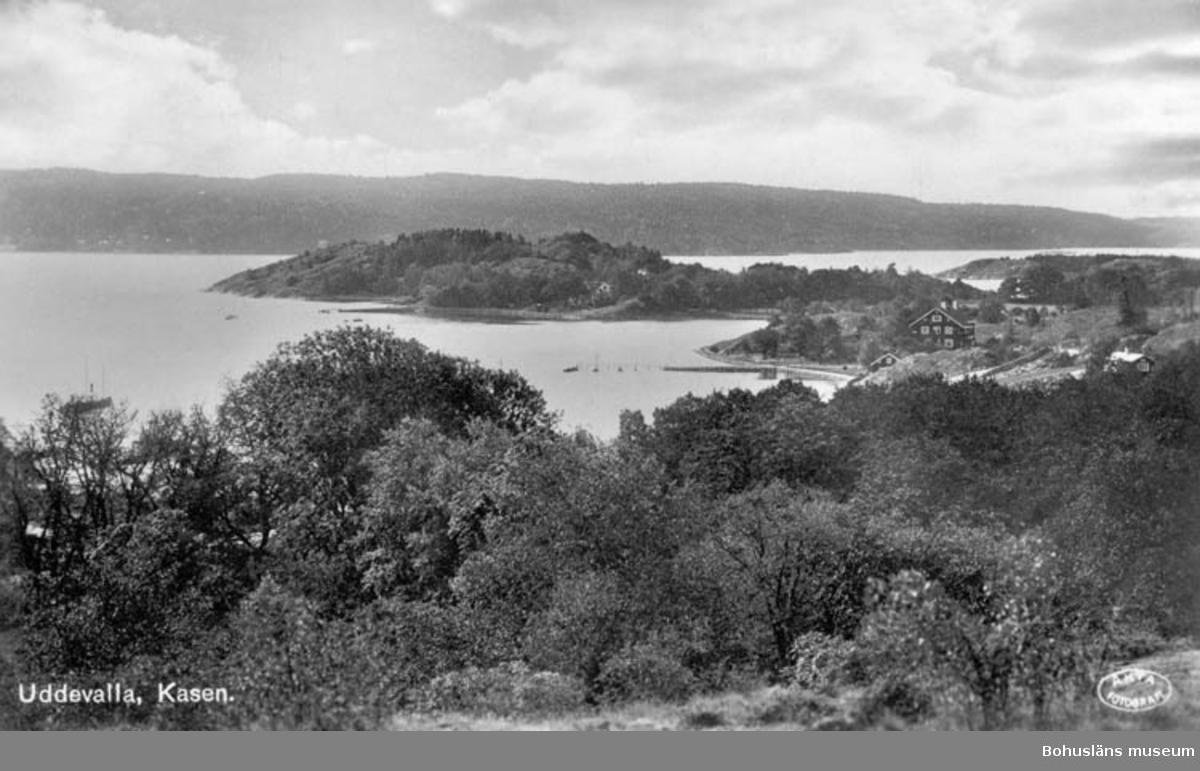 """Text på bilden: """"Uddevalla. Kasen. Med Thorburns villa, Solhagen, juni 1928"""""""