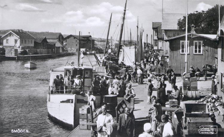 Passagerarfärjan ÄGIR i Smögens hamn