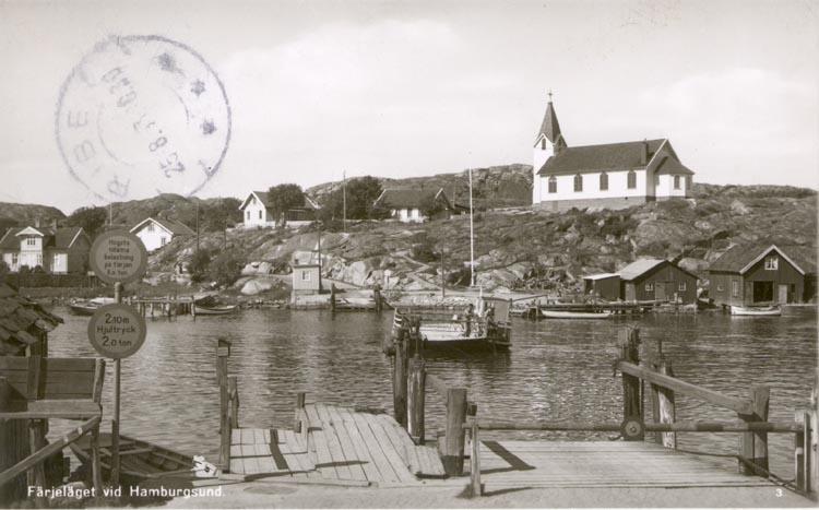 """Tryckt text på kortet: """"Färjeläget vid Hamburgsund"""".             ::"""
