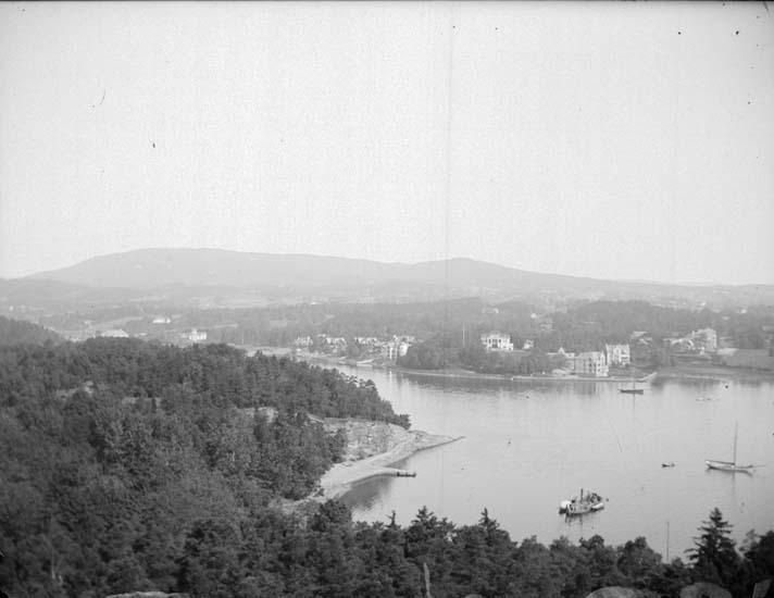 "Enligt text som medföljde bilden: ""Norge. Kristianiafjorden."""