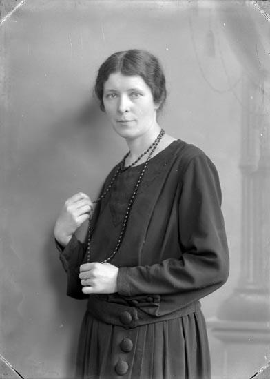 Fotograf Selma Sahlberg, självporträtt 1925