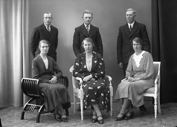 """""""Persson, Fru Signe Tolleröd, Kode"""" enligt fotografens journal nr 6 1930-1943."""