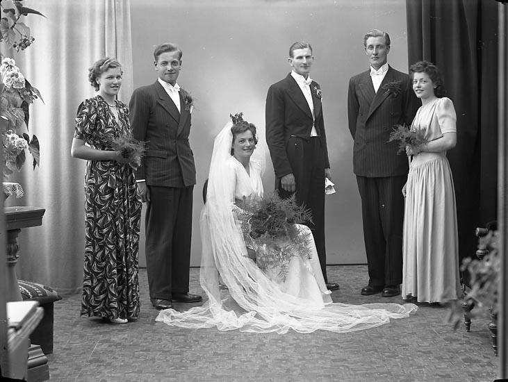 "Enligt fotografens journal nr 6 1930-1943: ""Berg, Herr Nils Lalleröd Nösund""."