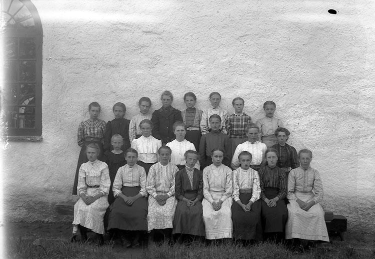 """Enligt fotografens notering: """"1911 Solberga"""". ::"""