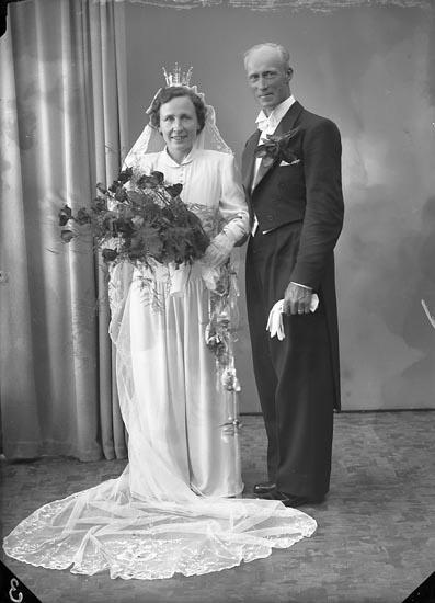 """Enligt fotografens journal nr 7 1944-1950: """"Andersson, Herr Karl Panneröd, Svenshögen""""."""