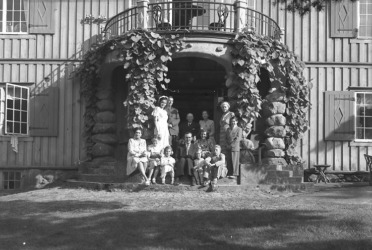 "Enligt fotografens journal nr 7 1944-1950: ""Aspegren, Konsul Stenungsön""."