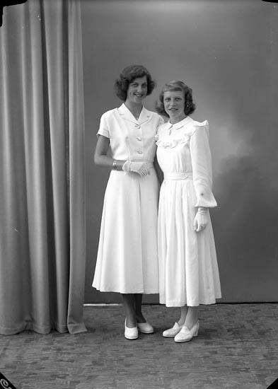 "Enligt fotografens journal nr 7 1944-1950: ""Westborg, Fr. Ingegerd Dagny Larsson Stenungsund""."