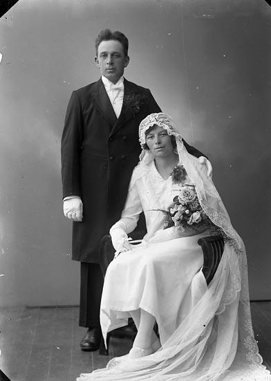 """Enligt fotografens journal nr 6 1930-1943: """"Abrahamsson, Karl Järnklätt, Här""""."""