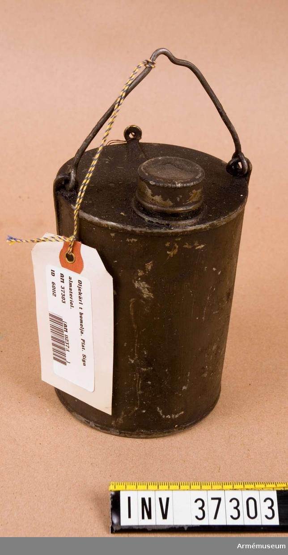 Grupp H I.  Till bomolja som torde bl.a. ha använts för upplösning av kautschuk.