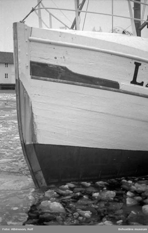 """Enligt fotografens noteringar: """"Fiskebåten Sonja.""""  Fototid: 1996 den 12 januari."""