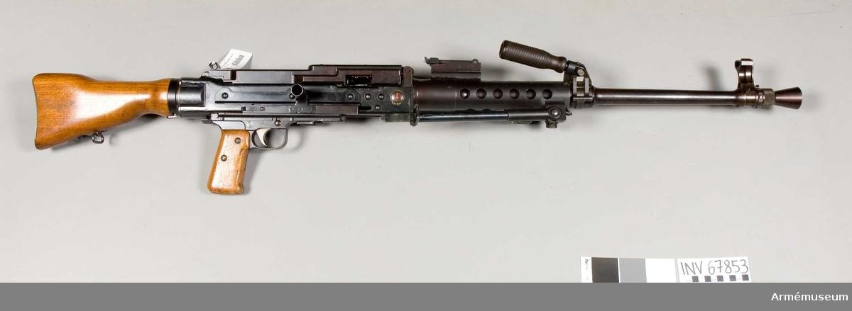 Grupp E IV.  Tillverkad av Swiss Industrial Company of Neuhausen Am Reinfalls. Svensk försöksmodell.