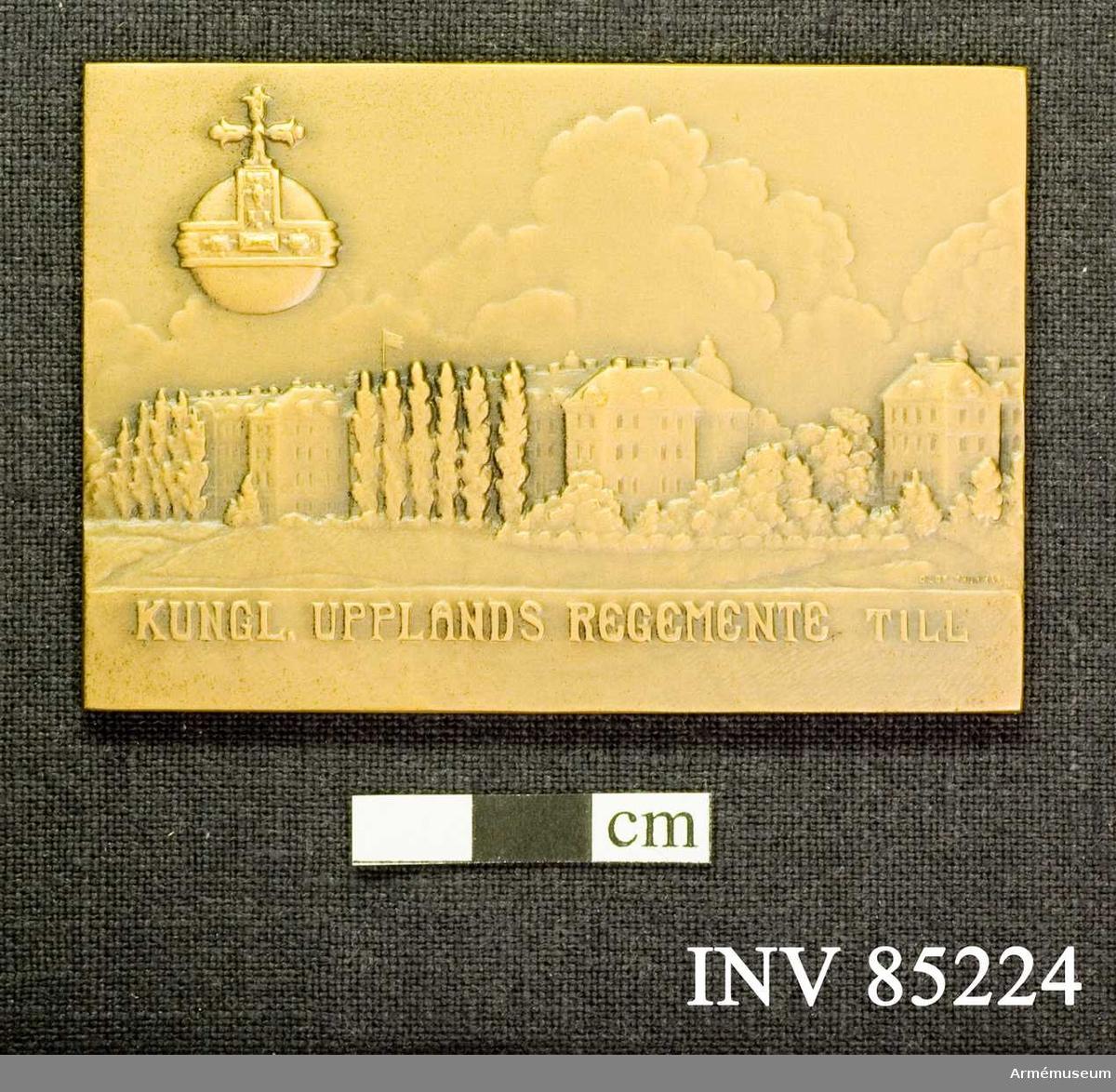 Grupp: M II.   Kungliga Upplands regementes förtjänstplakett i brons.