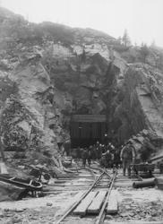 """Enligt tidigare noteringar: """"Tunnelarbete i Kålgårdsberget f"""