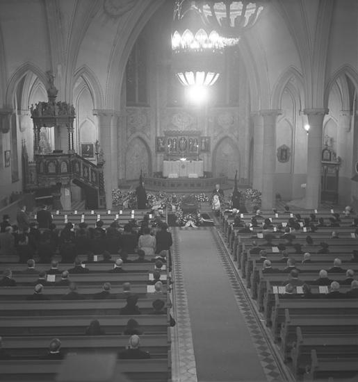 """Text till bilden: """"Musikdir. Karl Sandströms begravning. 1948.12.07""""             i"""