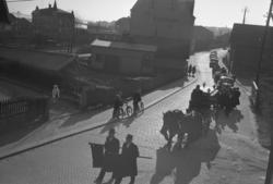 """Text till bilden: """"Fru Elise Johanssons begravning. 1952.03."""