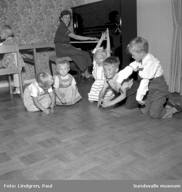 Barn på lekskola i Vivsta, Timrå.