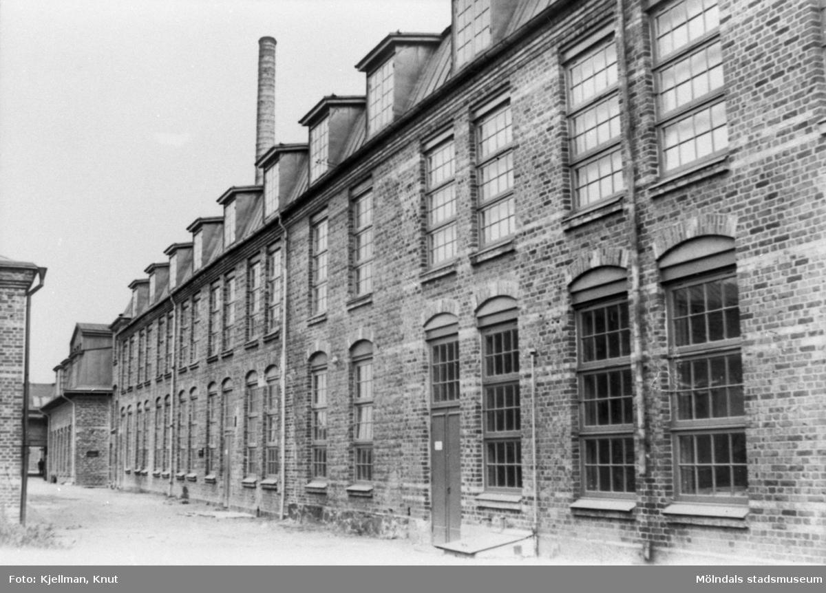 Krokslätts fabriker fotograferad inne på industriområdet, cirka 1900-1910.