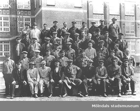 Hantverkargruppen vid Krokslätts fabriker, omkring 1930-1935.